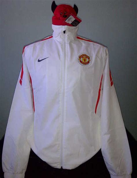 Jaket Diadora Nike Jk 1189 toko olahraga hawaii sports jaket original mu nike woven warm up jacket white