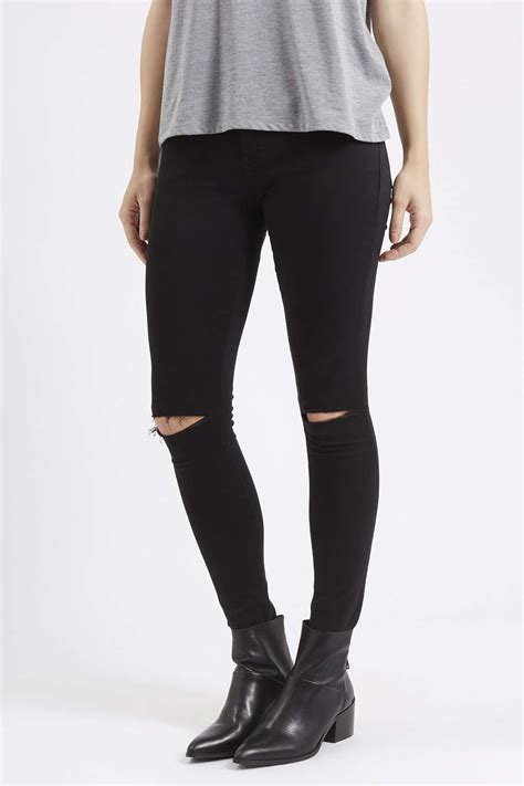 Ripped Knee Jegging White Model Highwaist mollie king jets into las vegas in leather jacket and