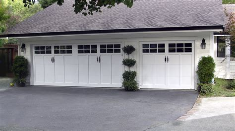 carriage house doors martin garage door wageuzi