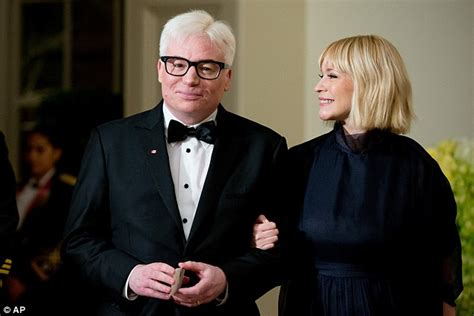 mike myers uk mike myers debuts white hair at state dinner in honour of
