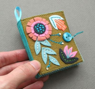 mmmcrafts: and one more needle book