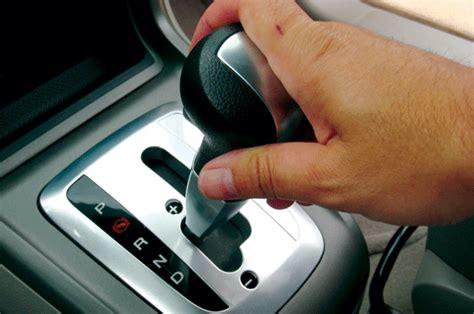 Pedal Matik Mobil mobil matik rajin periksa oli transmisi otomatis harian medanbisnis
