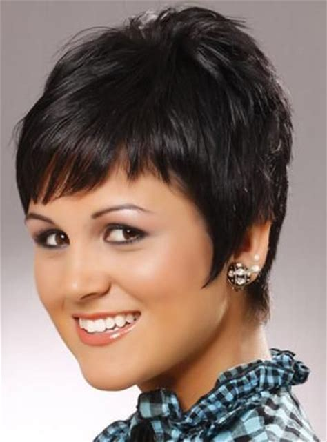how to style razor haircuts razor cut bob hairstyles wispy razor cut hairstyle