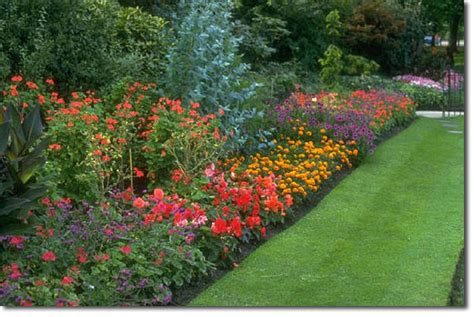 how to make a beautiful garden method for beautiful gardens with little work the