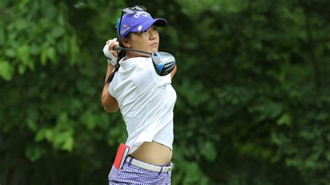 why women swing why are lpga tour players so much more accurate than pga