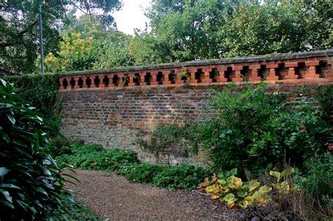 il giardino segreto di frances hodgson burnett frances hodgson burnett il giardino segreto