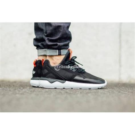 Sepatu Pria Adidas Tubular Runner Hitam Made In Asli Import sepatu adidas running tubular runner size 42 bekas mulus