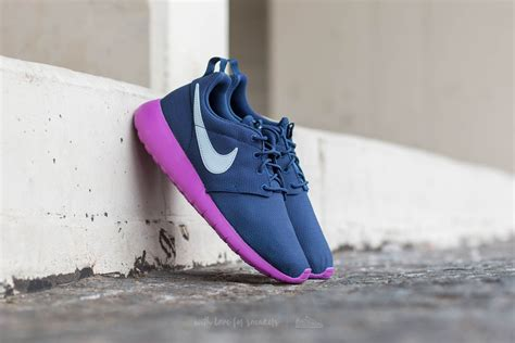 Nike Roshe One Midnight Navy nike roshe one gs midnight navy blue tint footshop