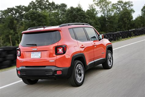 new jeep 2018 jeep renegade gains an updated interior and new