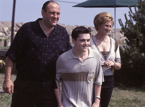 best sopranos episode see the 11 best episodes of the sopranos 2 closer weekly