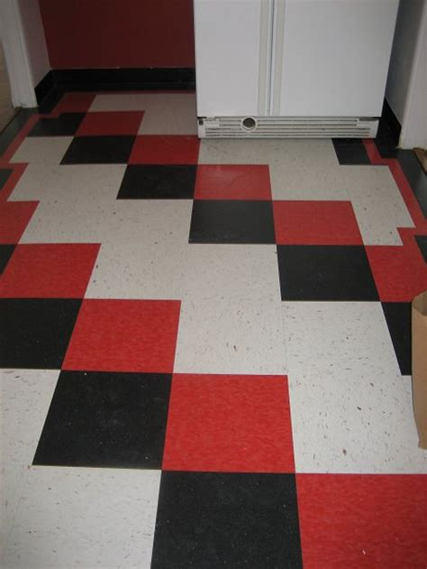 Checkerboard Vinyl Flooring by Linoleum Flooring Black And White Checkered Linoleum Flooring