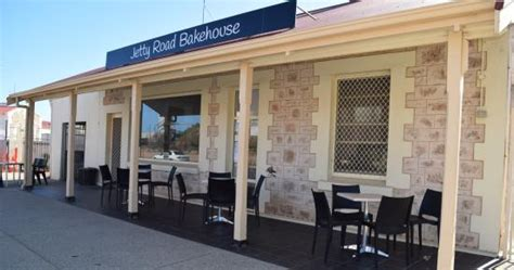 the 10 best restaurants near moonta bay patio motel