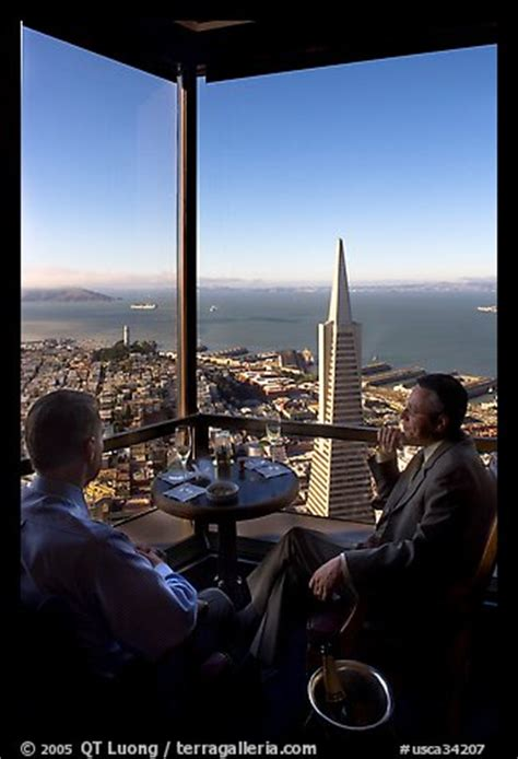 carnelian room san francisco picture photo businessmen with a bottle of chagne in the carnelian room with panoramic view