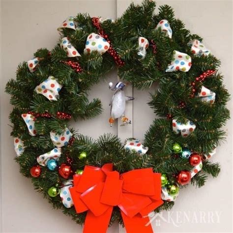 outdoor christmas wreath  quick  easy craft idea