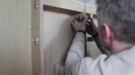 spiegelschrank montieren domovari spiegelschrank montage
