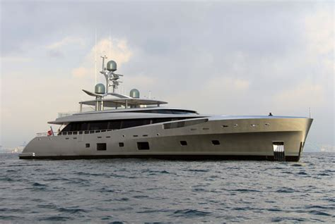feadship como feadship como sleek styling super glass superstructure