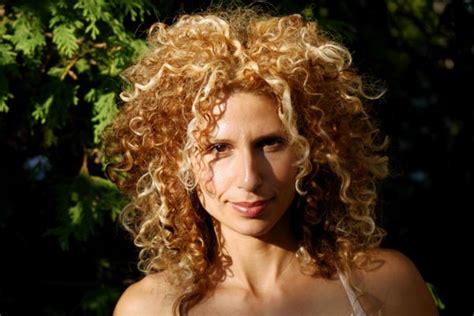 curly hairstyles blonde highlights 3 hot curly hair highlights