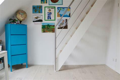 Treppe Ins Dachgeschoss by Steiltreppe Vom Kinderzimmer Ins Dachgeschoss Treppenbau