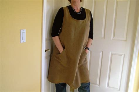 pattern for an artist s smock pinafore apron cross back linen apron flowing full womens