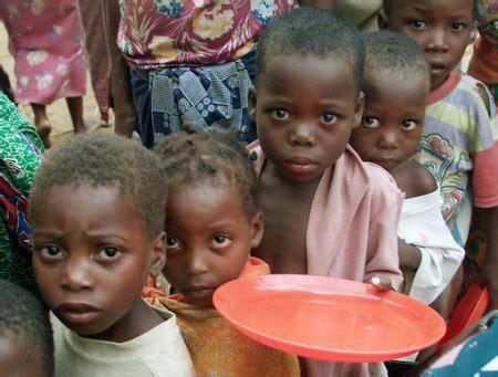 un food program sends emergency airlift for somalia famine