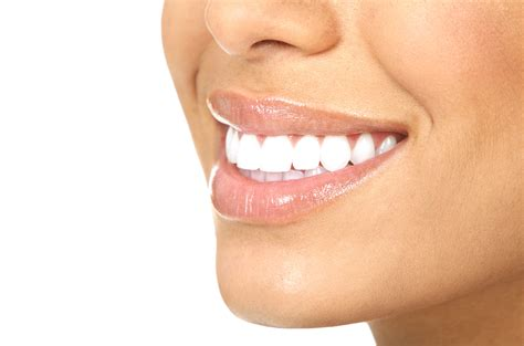 7 Reasons To Get Your Teeth Whitening Procedure Done By A Pro by 7 Best Products To Clean Whiten Refresh Your Teeth