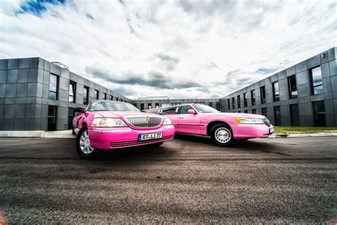 stuttgart car lincoln town car pink stretchlimo in stuttgart mieten