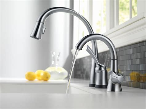 Danze Kitchen Faucet Parts by Faucet Com 1977 Ar Dst In Arctic Stainless By Delta