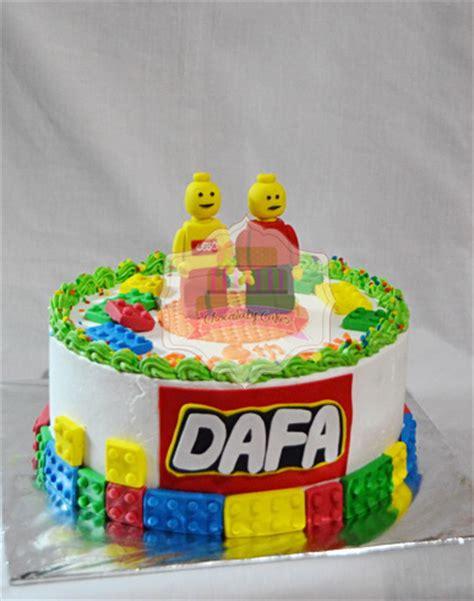 cara membuat kue ulang tahun lego lego