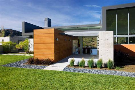 pietre decorative per giardini vialetto giardino proposte interessanti con un look moderno