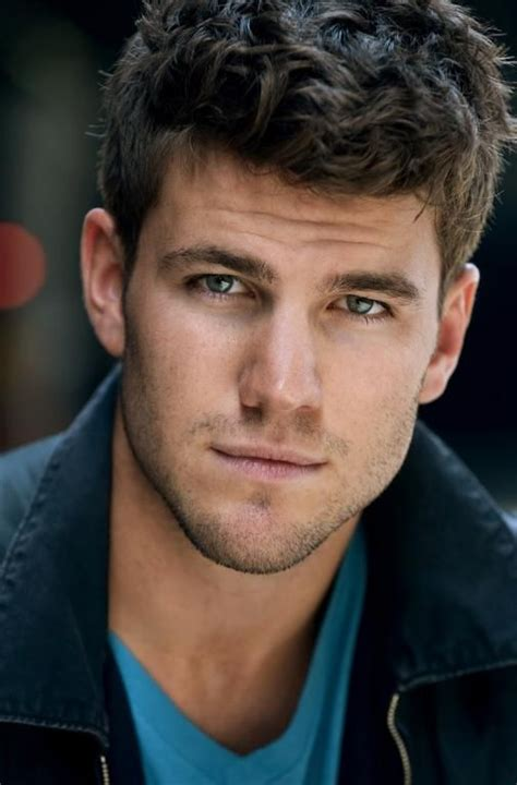 curly haircuts austin austin stowell played the disabled veteran kyle in a