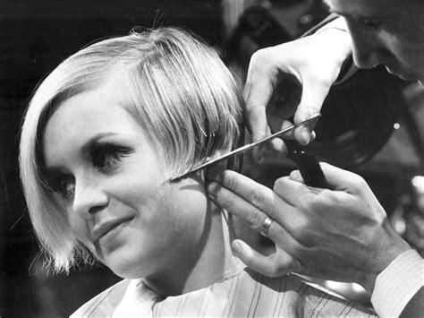 twiggy haircut twiggy for l or 233 al professionnel vogue it