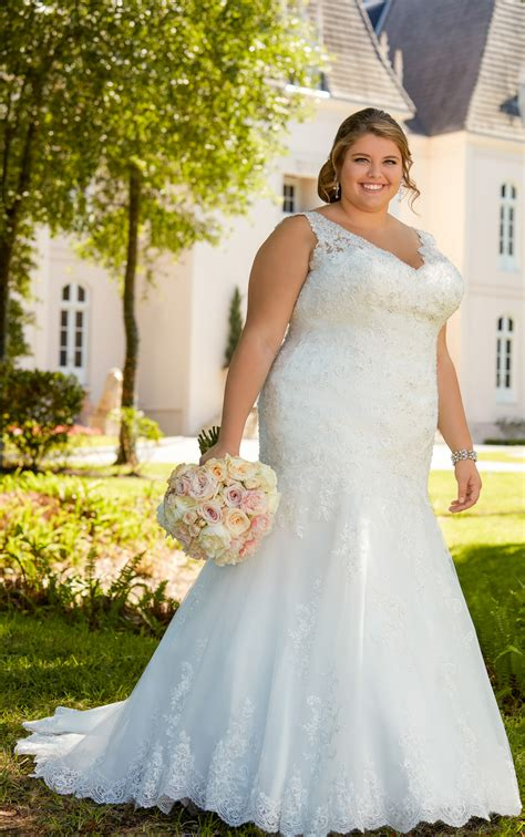 lace fit  flare  size wedding gown  silver