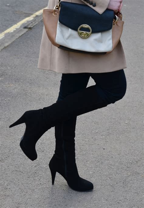 Duo Suede Color Rotelli Boots gold scarf with black boots raindrops of sapphire