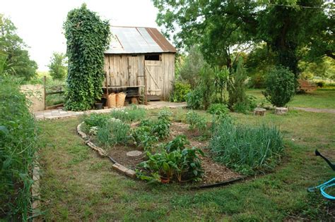 File Vegetable Garden Jpg Wikipedia Types Of Vegetable Gardens