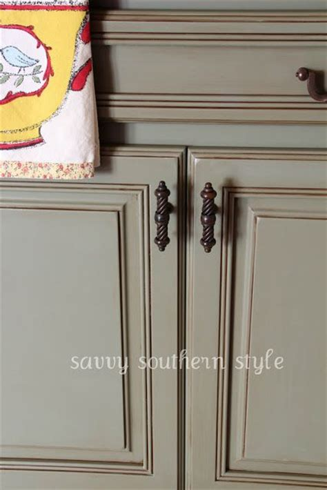 chalk paint grey kitchen cabinets cost 1 can of chateau grey sloan chalk paint 35