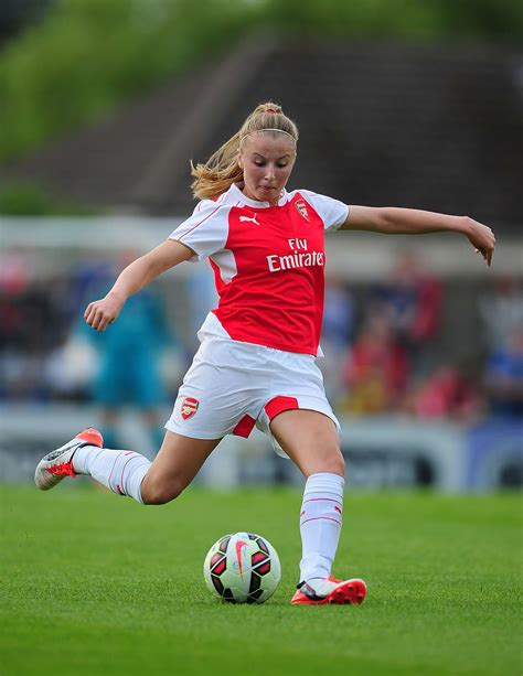 arsenal ladies big interview arsenal ladies leah williamson the