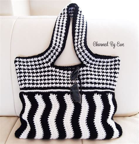 crochet pattern small shoulder bag 17 best images about crochet bags purses cellphone on