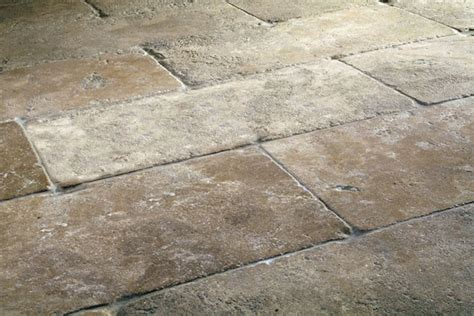 Cobblestone Tile Flooring Dalle De Limestone Quarried And Shaped With