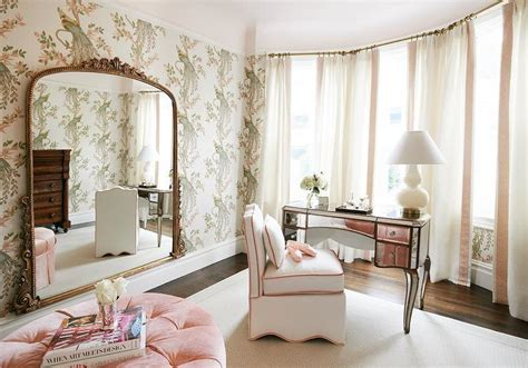 round dressing room ottoman closet design decor photos pictures ideas inspiration