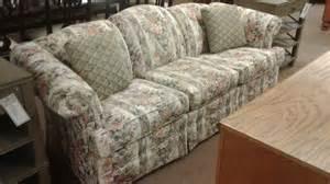 broyhill floral sofa broyhill floral sofa delmarva furniture consignment