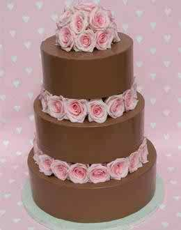 Chocolate   the most popular wedding cake flavor