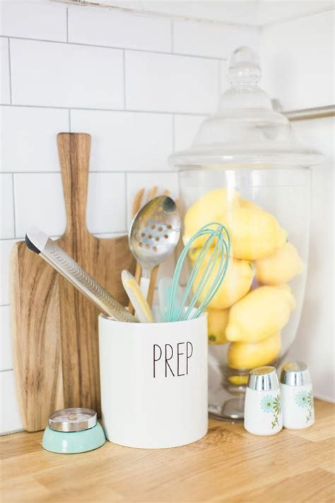 best kitchen items 25 best ideas about lemon kitchen decor on pinterest