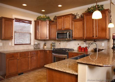 Kitchen Ideas For Medium Kitchens Pictures Of Kitchens Traditional Medium Wood Cabinets Golden Brown Page 3