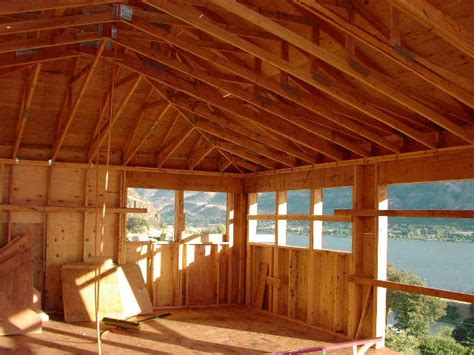 Hip Roof Vaulted Ceiling 1000 Ideas About Hip Roof Design On Family