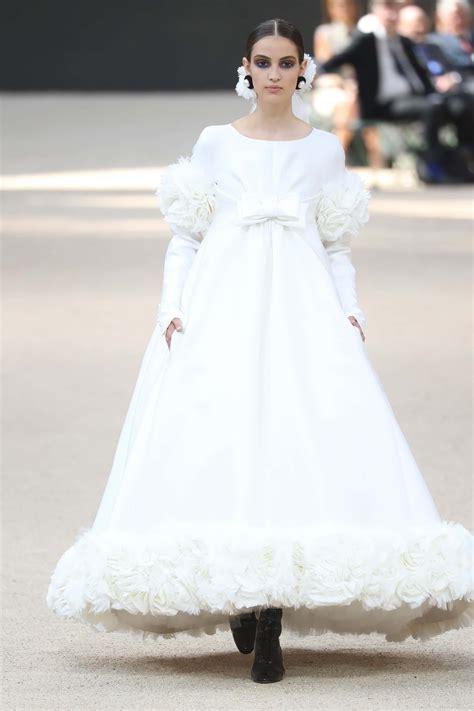 les  belles robes de mariee par karl lagerfeld pour chanel