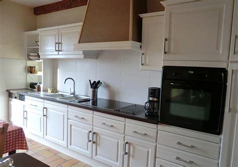 r駭 une cuisine en ch麩e refaire une cuisine refaire une cuisine ancienne relooker
