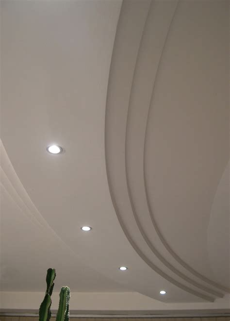 controsoffitto in gesso realizzazioni stucchi cornici volte in gesso colonne