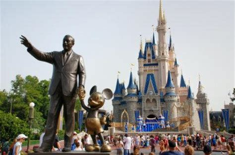 5 reasons to book a vip tour guide at disney world