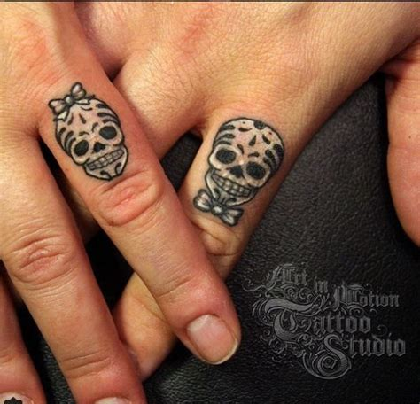 tattoo ring finger kosten 175 best images about couples tattoos on pinterest book