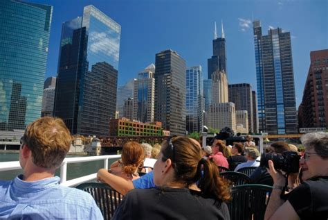 architectural boat tour chicago best chicago architecture foundation boat tour travelingmom